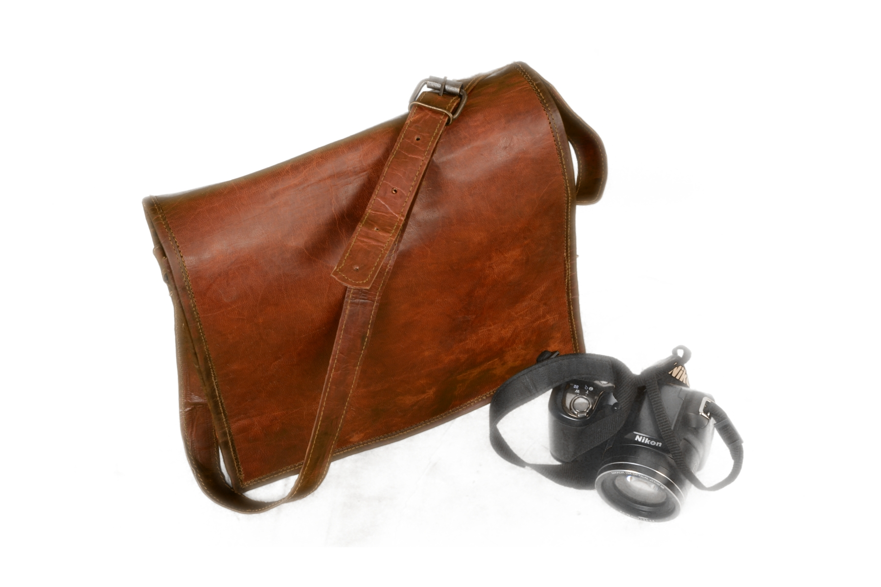 18 Dark Brown Leather Messenger Bag